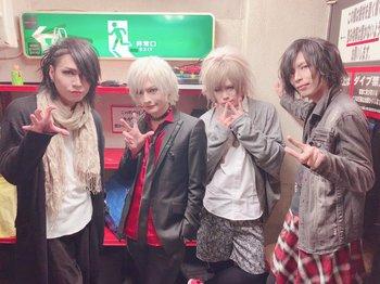 KOUさん、「1月12日live、4ショット」.jpg